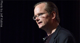 Lawrence Lessig: FCC Beyond Repair, Should be Abolished